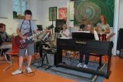 <h5>Das Musikzimmer</h5><p>Auch die Musiktalente sind in der Friedenschule am rechten Ort.</p>