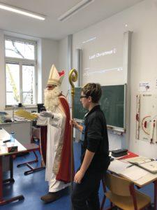 Der Nikolaus besuchte die Friedenschule
