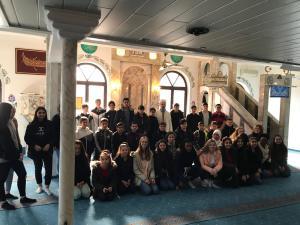 Besuch der Siebtklässler in der Moschee
